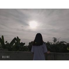 Photography Studio Background, Shadow Photography, Tumblr Photography, Ulzzang Korean Girl, Cute Korean Girl, Cool Girl Pictures, Anime Girl Crying, Profile Pictures Instagram, Korean Girl Fashion