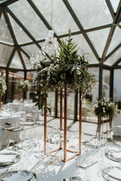 Centerpieces, Table Decorations, Bouquet, Furniture, Home Decor, Wedding Cake Simple, Bridal, Homemade Home Decor, Bouquets