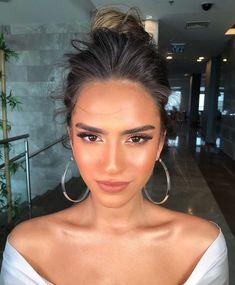 S Makeup: 5 erros comuns que envelhecem o rosto - Make UP Ideen Dupe Makeup, Kiss Makeup, Beauty Makeup, Hair Makeup, Hair Beauty, Tan Skin Makeup, Makeup Style, Sun Kissed Makeup, Natural Dewy Makeup