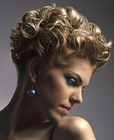 short curly hairstyles for women | Hairstyles For Curly Hair - I WANT THIS HAIRSTYLE