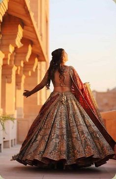 Looking for premium bridal designers for your big day? Then you must check out Rimple Harpreet Narula Bridal Lehengas. Prices are mentioned in the post. Indian Bridal Outfits, Indian Bridal Fashion, Indian Bridal Wear, Asian Bridal, Indian Gowns Dresses, Indian Fashion Dresses, Bridal Dresses, Party Dresses, Wedding Lehenga Designs