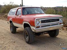 Dodge Suv, Old Dodge Trucks, Dodge Cummins, Pickup Trucks, Mini Trucks, Cool Trucks, Dodge Ramcharger, Dodge Power Wagon, Four Wheel Drive