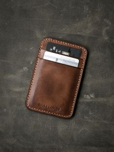 """""""Maddox"""" Russet Vintage Tan Slim Leather Wallet : Our uber elegant """"Maddox"""" russet vintage tan slim wallet is just what you need for your every day essentials. Minimalist Leather Wallet, Slim Leather Wallet, Handmade Leather Wallet, Leather Gifts, Slim Wallet, Tan Leather, Leather Wallet Pattern, Passport Wallet, Leather Projects"""