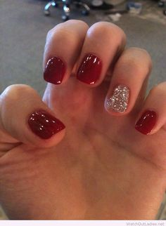 Red nails and glitter detail for Christmas