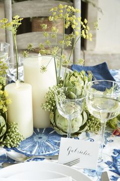 Recreate the Centerpiece from Athena Calderone's Spring Dinner Party with Pottery Barn #eyeswoon #mypotterybarn #athenacalderone #centerpieces