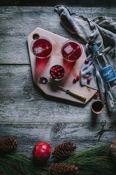 Cran-Raspberry Sparkler — Adventures in Cooking http://adventuresincooking.com/2015/12/cran-raspberry-sparkler.html
