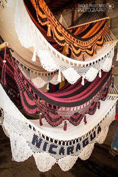 Nicaraguan Handwoven Hammock MATRIMONIAL (w/spreadbar)