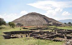 Serie: Pirámides de Teotihuacan  Fotografía: Pirámide del Sol Por: Alondra Carreón
