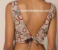 Blouse Back Neck Designs For Cotton Saree Blouses - Blouse designs Choli Designs, Saree Blouse Neck Designs, Fancy Blouse Designs, Kalamkari Blouse Designs, Sari Design, Blouse Sexy, Bow Blouse, Sexy Bluse, Blouse Designs Catalogue