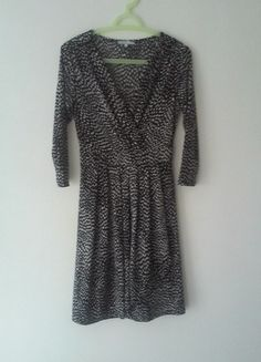 À vendre sur #vintedfrance ! http://www.vinted.fr/mode-femmes/robes-habillees/24033588-robe-noire-et-blanche