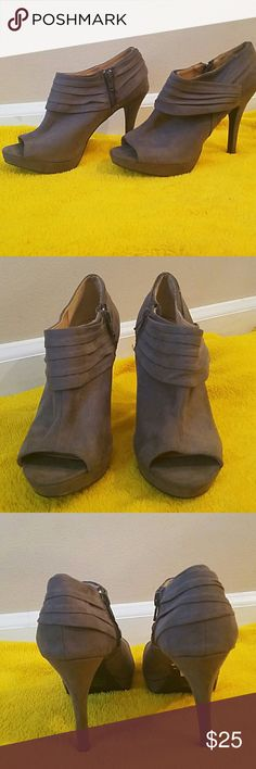 Grey peep toe pumps Size 8. Gently used, only worn once. Grey suede peep toe shoes. Shoes Heels