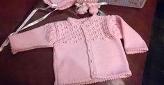 Sorry voor de wazige en slechte foto's, die zijn genomen met mijn sp. Dit vestje is voor de leeftijd 3 maanden en is op naald 3 gebreid. ... Baby Clothes Patterns, Baby Knitting Patterns, Baby Patterns, Clothing Patterns, Baby Vest, Baby Cardigan, Crochet Cardigan, Crochet Baby, Knit Crochet