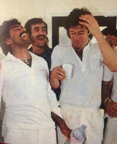 Cricketers Javed Miandad and Imran Khan in a jovial mood Imran Khan Pakistan, East Pakistan, Reham Khan, Tours Of England, Nawaz Sharif, Mohsin Khan, King Of Hearts, Rare Photos, Old Pictures