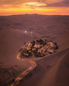 Here are 27 Things To Do In Peru! If you have made up your mind to explore the sublime ruins of Peru, make sure you browse through this list of things to do in Peru to ensure that your tour isn't left incomplete! The desert oasis of Huacachina, Peru 📸 Huacachina Peru, Desert Oasis, Peru Travel, Africa Travel, Travel List, Budget Travel, Hawaii Travel, Travel Guide, Vacation Travel