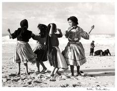 Dançando na Areia, Portugal - Bill Perlmutter. 1957
