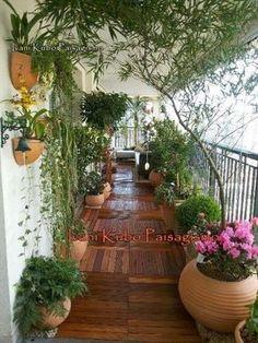 Idee per utilizzare un balcone lungo e stretto - Casacadabra #BalconyGarden