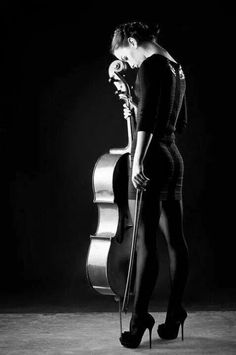 There is no way you can play the cello and successfully not flash anyone in that tight ass dress. Just sayin'. - An Actual Cellist Cello Music, Art Music, Cello Fotografie, Reproduction Photo, Cello Photography, Artistic Photography, Musica Love, Foto Portrait, Music Photo