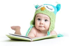 Choosing books to read to your baby is not complicated. Here is a list of our family favorites that we begin reading to our children when they are newborns. Read Aloud Books, Great Books To Read, Book Bebe, Owl Books, Funny Owls, Babies First Year, Top Toys, Special Needs Kids, Infant Activities