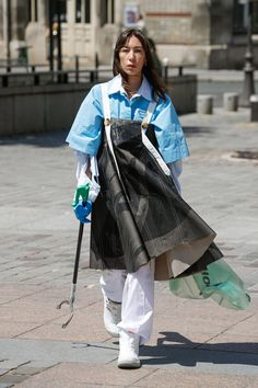 For Paris Haute Couture the Dutch fashion design duo Schueller de Waal teams up with Pik Pik Environnement to present its first Collaborative Cleaning Initiative named 'Litter', supported by the city of Paris. Cleaning Uniform, French Online, Young Designers, Couture Collection, Fashion Show, Fashion Design, Cool Kids, Work Wear, Raincoat