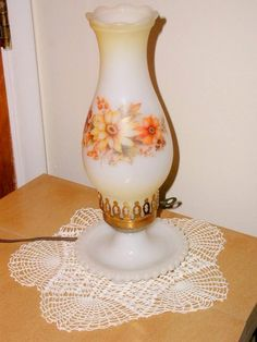 VINTAGE MILKGLASS DRESSER TABLE LAMP MILK GLASS CANDLEWICK HAND PAINTED SUNFLOWER. http://www.blujay.com/?page=ad&adid=1389539&cat=11120000