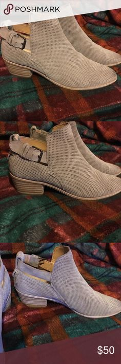 Dolce vita tan booties Worn less than five times, comes with box. In like New condition Dolce Vita Shoes Ankle Boots & Booties