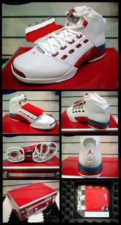 Air Jordan 17 (XVII) Original (OG) - White / Varsity Red - Charcoal