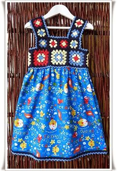 Transcendent Crochet a Solid Granny Square Ideas. Inconceivable Crochet a Solid Granny Square Ideas. Crochet Girls, Crochet For Kids, Crochet Dress Girl, Crochet Ideas, Crochet Baby, Knitting For Kids, Baby Knitting, Toddler Dress, Baby Dress