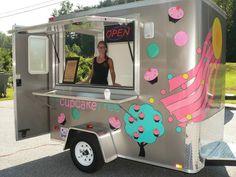 I'd also have a mini truck! Food Cart Design, Food Truck Design, Food Truck Business, Cake Business, Concession Trailer, Food Trailer, Coffee Trailer, Mobile Food Trucks, Food Vans