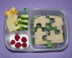 Puzzle-themed lunch