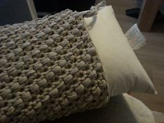 I soo want a pillow like this! I love the texture!