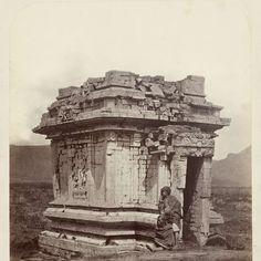 Candi Srikandi, Dieng Plateau, Wonosobo, Indonesia, Isidore van Kinsbergen, 1864 - Rijksmuseum