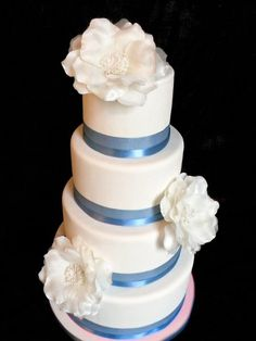 Love blue wedding cake. white with blue