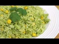 ARROZ VERDE POBLANO | ESPONJOSO, NO SE PEGA NI SE BATE - YouTube Rice Recipes, Mexican Food Recipes, Cooking Recipes, Healthy Recipes, Poblano Recipes, Stuffed Poblano Peppers, Mexican Dishes, Food Videos, Side Dishes