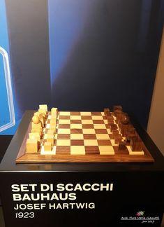 Sketch| Tribute to BAUHAUS Set di scacchi Bauhaus di Josef Hearwig - 1923