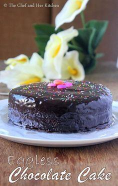 Chocolate Cake Mix Recipes, Chocolate Cake From Scratch, Eggless Chocolate Cake, Chocolate Ganache, Small Cheesecake Recipe, Cinnabon Cinnamon Roll Cake, Homemade Cake Recipes, Baking Recipes, Eggless Baking