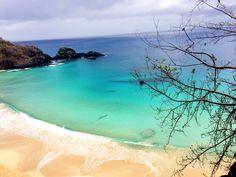 Vocês sabiam???? Pelo segundo ano consecutivo a Praia do Sancho localizada em Fernando de Noronha, foi eleita a PRAIA MAIS LINDA DO MUNDO pela avaliação popular com os usuários de um grande site de Turismo!!! A gente concorda, Quem mais??