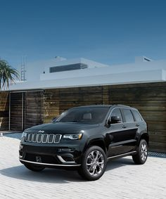 The 2020 Jeep® Grand Cherokee is a sophisticated, luxury SUV. Jeep Grand Cherokee Srt, Jeep Grand Cherokee Limited, My Dream Car, Dream Cars, Jeep Wrangler Lifted, Lifted Jeeps, Jeep Wranglers, Jeep Cars, Jeep Suv