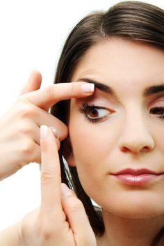 Brillenfrei durch den Sommer: Kontaktlinsen machen's möglich