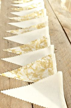 DIY Fabric Bunting Flag Banner (Fabric with a crimped edge scissors) Fabric Flag Banners, Fabric Bunting, Bunting Banner, Bunting Ideas, Gold Banner, Buntings, Wedding Bunting, Diy Wedding, Wedding Ideas