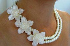 Collar de Flores -- Fotografía: Irene Jewelry