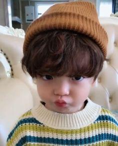 Cute Asian Babies, Korean Babies, Asian Kids, Cute Babies, Cute Little Baby, Little Babies, Baby Kids, Handsome Korean Actors, Baby Tumblr