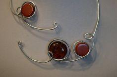 AMBER - BROWN - RUST - ORANGE  par BIJOUX LIBELLULE sur Etsy Cardboard Jewelry Boxes, Ambre, Rust Orange, Necklaces, Bracelets, Wire Wrapped Jewelry, Wire Wrapping, Hoop Earrings, Jewels