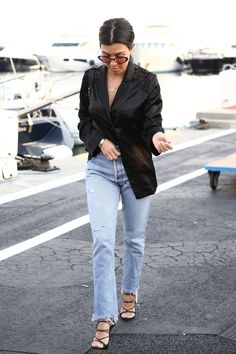 Kourtney Kardashian out & about in Cannes - May 2017 Kourtney Kardashian, Estilo Kardashian, Kardashian Style, Kardashian Jenner, Fashion Tips For Women, Love Fashion, Korean Fashion, Fashion Ideas, Fashion Trends