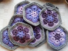 African Flower bag pattern-love the gray and purples – Granny Square Crochet Chart, Crochet Motif, Crochet Hooks, Free Crochet, Crochet African Flowers, Crochet Flower Patterns, Crochet Flowers, Crochet Drawstring Bag, Granny Square Bag