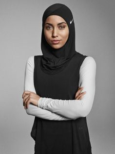 Just in time for the International Women's Day, sportswear brand Nike has announced the new performance Nike Pro Hijab, made from stretchy and breathable polyester fabric, designed to support Muslim female athletes. Muslim Girls, Muslim Women, Islam Muslim, Muslim Fashion, Hijab Fashion, Nike Hijab, Sports Hijab, Adidas Originals, Hijab Collection