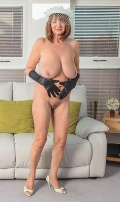 Nude milf on pinterest