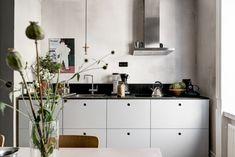 Star light in copper from Örsjö hangs in this Stockholm apartment kitchen. Via Ems Designblogg