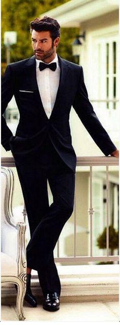 Birbirinden Güzel Erkek Düğün , Nişan Saç Modelleri 2017 -2018 Sezonu Düğünler, kadın olsun erkek olsun gelinlik ve damatlık gibi özel kıyafetlerin giyildiği özel günlerdir. Dolayısı ile saç modeli her ikisi için de çok önemlidir. Gelinlerde saç model çeşitliliği ve kullanılan taç, çiçek, duvak gibi aksesuarlar bulunsa da erkeklerde düğün saç modelleri aksesuarların olmadığı fakat alternatifi bol saç modelleri seçenekleri ile kişiye göre değişmektedir. Erkek Düğün Saç Modelleri Nasıl…