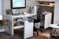 Desks & computer desks: MALM Desk with pull-out panel