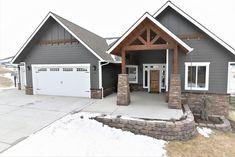Ideas Exterior Paint Colora For House Cedar White Trim House Paint Exterior, Exterior House Colors, Grey Siding House, Farmhouse Exterior Colors, Siding Colors For Houses, Exterior Homes, Rustic Home Exteriors, Stone On House Exterior, Home Exterior Design